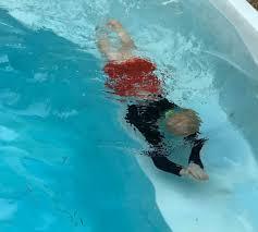 coronavirus-swimming